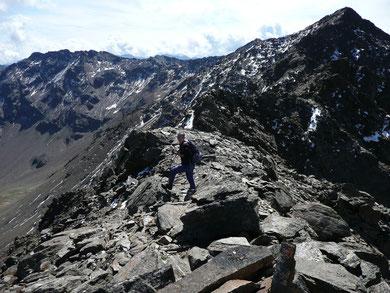 Auf der Nördlichen Mastaunspitze.Im Hintergrund die Mastaunspitze.