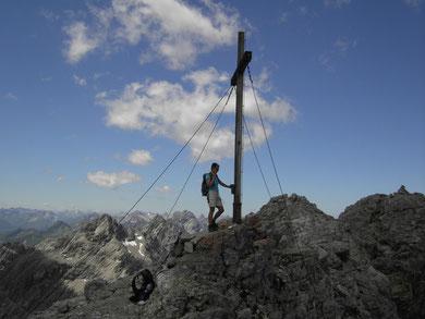 Am Gipfel der Bretterspitze