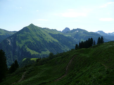 Üntschenspitze mit Großem Widderstein im Hintergrund