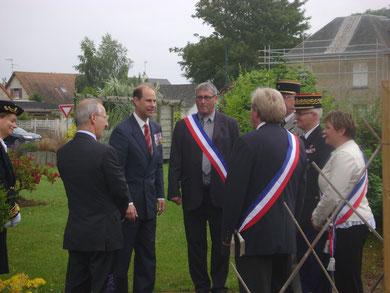 Arrivée de son Altesse Royale le Prince Edward à la mairie d'Esquay