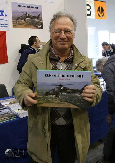 """Claudio Toselli nel corso della presentazione del suo nuovo libro, """"Elicotteri e Colori"""""""