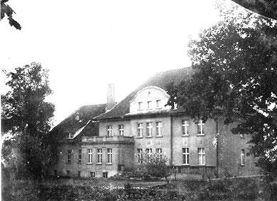 vor 1945 - Das Gutshaus Ablenken (Vorderseite)