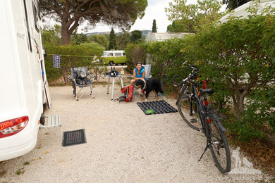 Unser Stellplatz am Camping Les Cigales in Cassis.