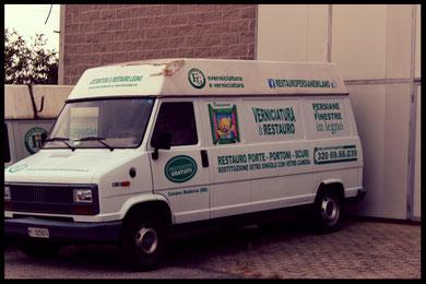 furgone bianco per trasporto prodotto finito