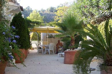 Terrasse - obere Etage der Villa Gandia Hills