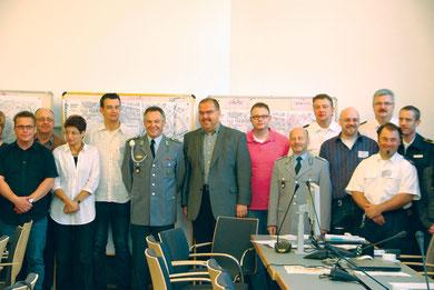 Erster Beigeordneter Paul Ketzer (Bildmitte) mit Mitgliedern des Krisenstabes. Foto: Stadt Bottrop