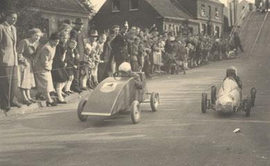 Seifenkistenrennen auf der Bogenstraße im Mai 1953.