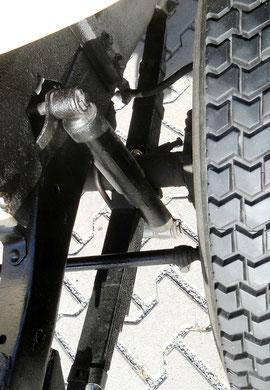 Jeep Willy´s Overland  Blattfederung vorne und hinten. Extrem stabil und langlebig.
