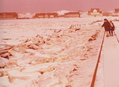 Winter 1978 , auf dem Gleisbett Richtung Anleger