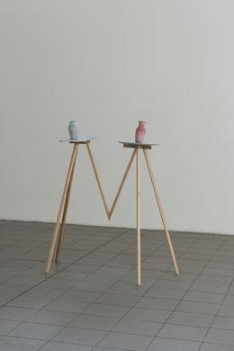 Frau und Herr Blume_Beton, Pigment, Gewebe, Holz_150 x 200 x 60 cm_2018