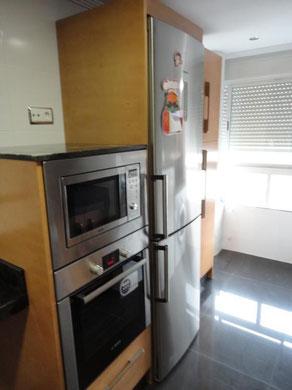 Cocina en Madrid haya y granito Platinum