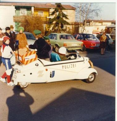 Karnevalsumzug in Pulheim/b.Köln mit Messerschmitt Kabinenroller.....heute ein begehrter Hochpreisklassiker