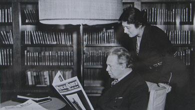 Elsa y Ottorino Respighi a bordo de un buque rumbo a América del Norte. 1932