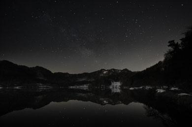「満たす夜」 アサヒカメラ.net写真の殿堂 2010.04選出「入選」