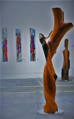 Skulptur aus dem Stamm eines Zwetschgenbaumes 240 cm