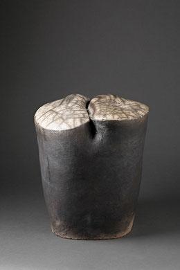LITHOPS, raku nu, 35 x 32 cm, 2012
