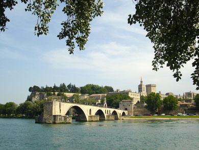 Zur Zeit kein Reiseziel mit dem Autozug: le pont d'Avignon