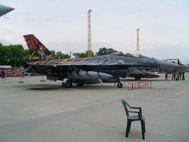 F16 FA-87-2