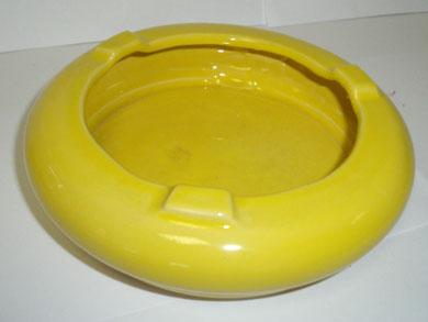 Cendrier rond émaillé jaune