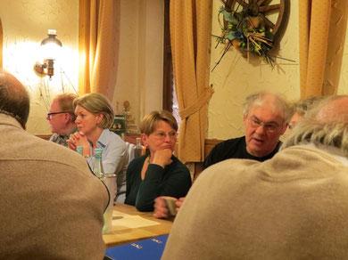 "Freitag Abend im ""Wirtshaus am ParK"" (Traube), v.l."