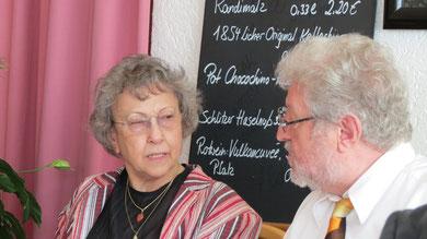 Sonntag: Beim Mittagessen in der Traube - Schlöni mit Partnerin