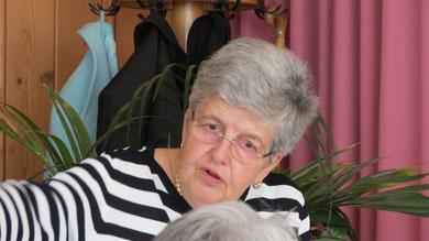 Sonntag: Beim Mittagessen in der Traube - Ulla