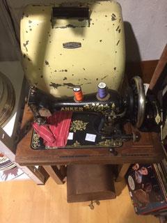Nähmaschine, Schreibmaschine