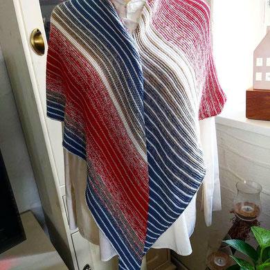 """Leuchtturm-Tuch """"Roter Sand"""" / Farbzusammenstellung sowie Tuch gestrickt und fotografiert von Karin Manger"""