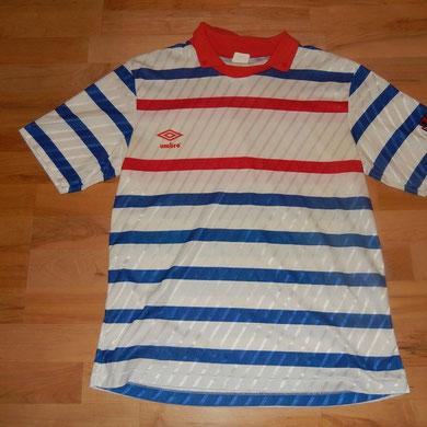 Geschenk vom Präsidenten der Cayman Islands, welcher bei uns im Fussball-Corner Oechslin eingekauft hat.