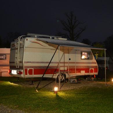 Nachtstellplatz...   *   Nattens ställplats på camping