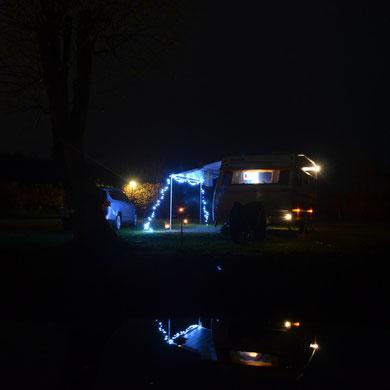 Nachtstellplatz....   *   Nattens ställplats på camping...