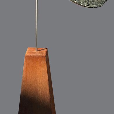 Vogelvrij, ruwinka met cortenstaal zuil verkocht