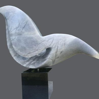 Bird of Paradise, blauw albast,  b 38 cm, € 850,00