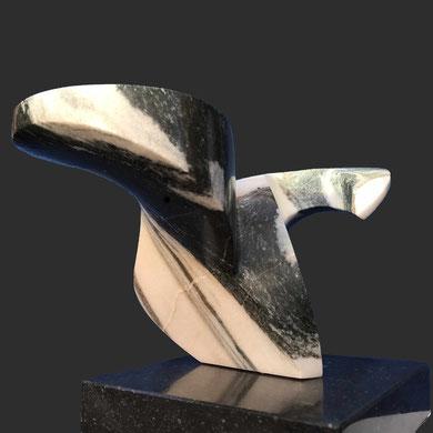 Swing, Covelano marmer,  b 37 cm, € 1250,00