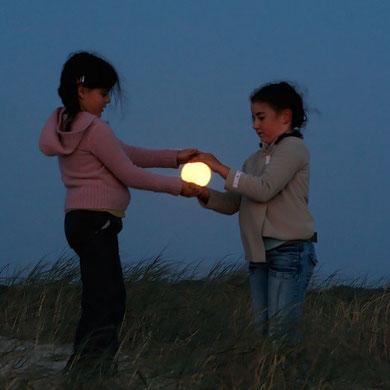 La Luna en nuestras manos