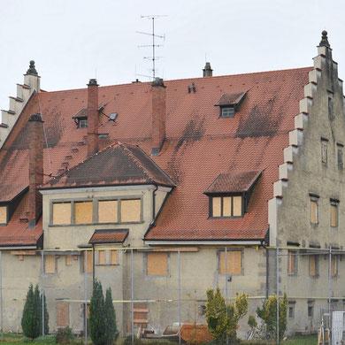 Rainhaus winterfest: Fenster nach Westen und Norden mit OSB-Platten verschlossen