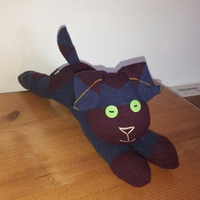 Sockenhund, dunkellila mit blau