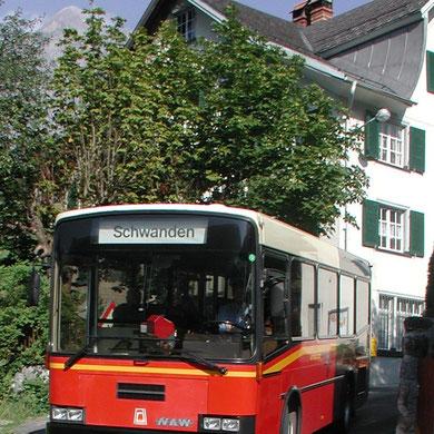 Bus beim alten Löwen