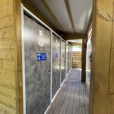 le-papier-toilette-est-il-fourni-dans-un-petit-camping ?