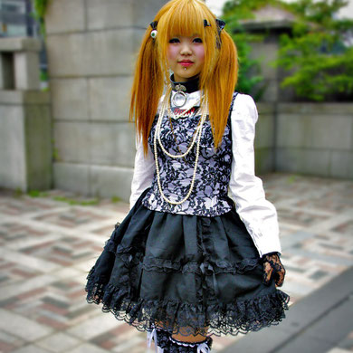 Another gorgeous Gothic Lolita. Harajuku Street Fashion, Tokyo. Japan 2013 © Sabrina Iovino | JustOneWayTicket.com