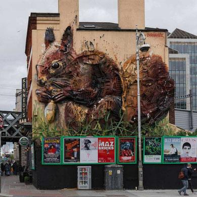 street-art-déchet-denonciation-écologie-bordalo2-écureuil