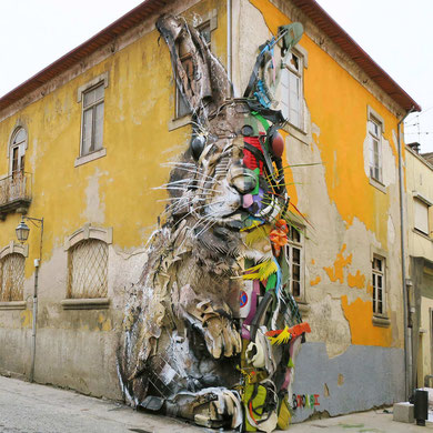 street-art-déchet-denonciation-écologie-bordalo2-rabbit-lapin