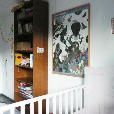 子供たちの寝室にもデザイナー家族らしくかっこいいポスターや絵本がたくさん