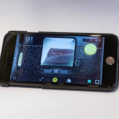 iPhone mit Hipstamatic-App