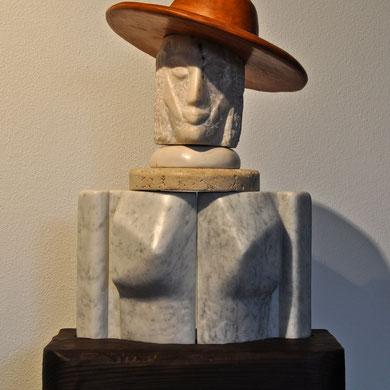 Composizione con cappello  Legno, marmo, pietra, ceramica  2014