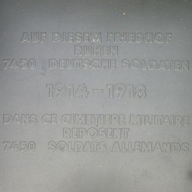 Tafel - Bei der Angabe der Toten handelt es sich um einen Zahlendreher - die richtige Zahl ist 4.750  An dieser Stelle nochmal ein herzliches Dankeschön an Herrn Lenhard!