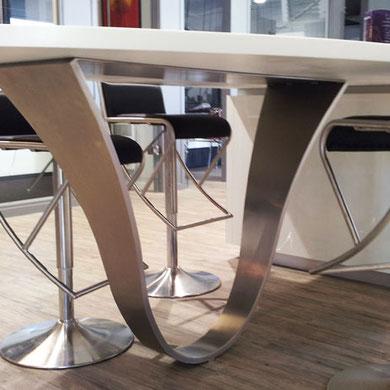 pied de table design en acier