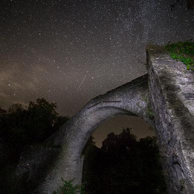 Cielo stellato formato da 2 scatti, uno per il cielo e uno pe ril primo piano