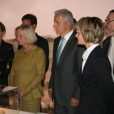Aufmerksame Zuhörer: Landesvater Tiliich, Ministerin Janka, OB Ludwig; Foto meinert