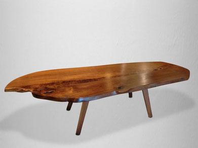 T1201 · Teak, American Black Walnut#arttable#table#coffeeetable#homedecoration#artcollector#sculpturel#coffeetable#woodworking#interiordesign#woodsculpture#art#woodart#wooddesign#decorativewood#originalartwork#modernwoodsculpture#joergpietschmann#oldwood